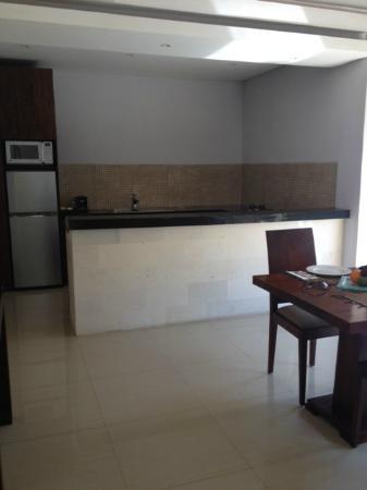 The Wolas Villas & Spa: Kitchen area