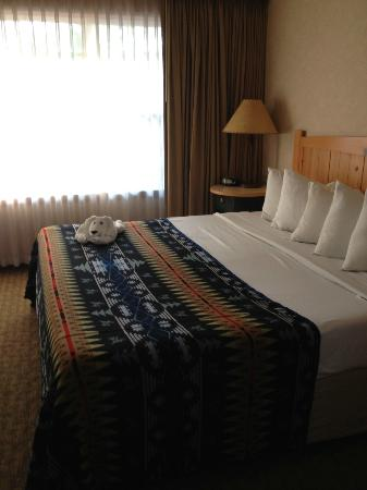 Heathman Lodge: Comfortable bed!