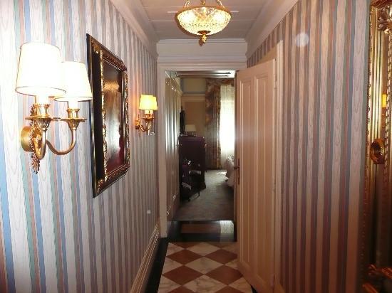 โรงแรมบริสตอล เวียนนา: nice room layout