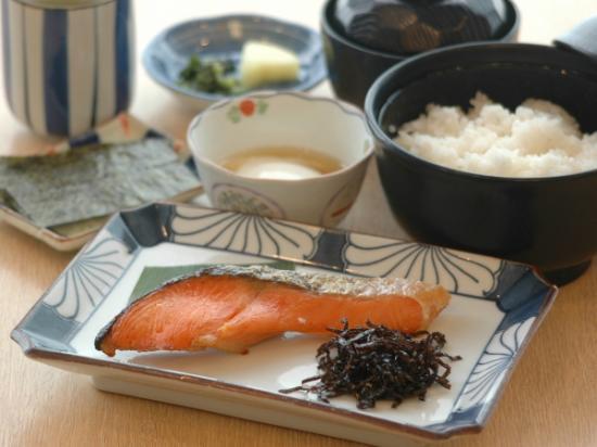 Road Inn Toba : 朝食(和食)例