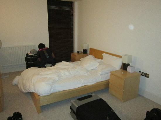 Clarendon Serviced Apartments - Canary Central: Bedroom