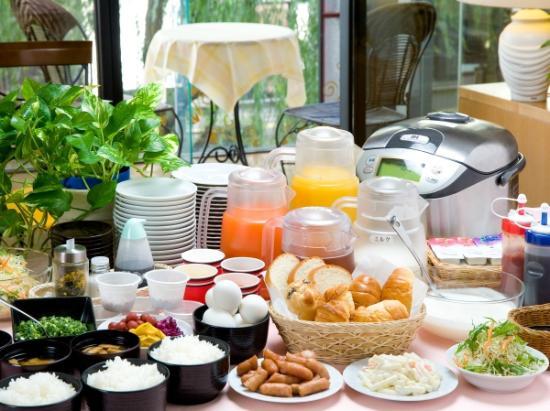 Hotel Econo Higashikanazawa : 朝食全体例