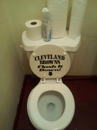 Breezewood, PA: Restroom at Crawford's