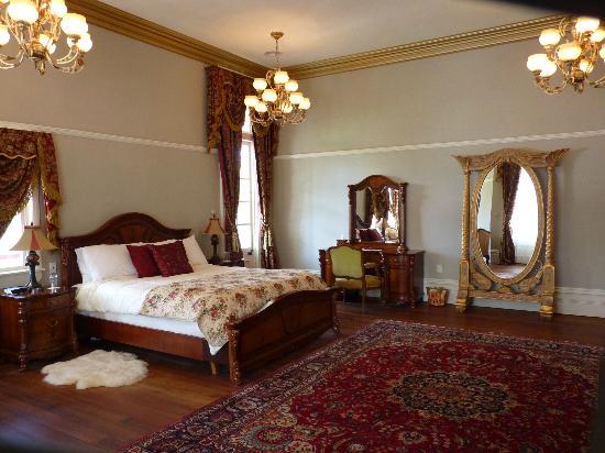 Highden Manor Estate: Highden Room