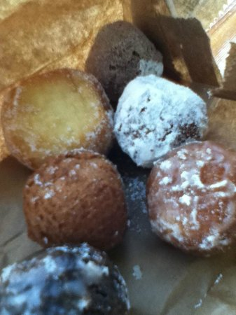 Lee's Donuts : Donuts