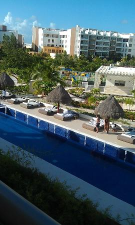 Beloved Playa Mujeres: The pool area