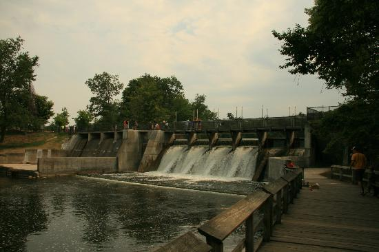 Ludington State Park: Dam at Hamlin Lake
