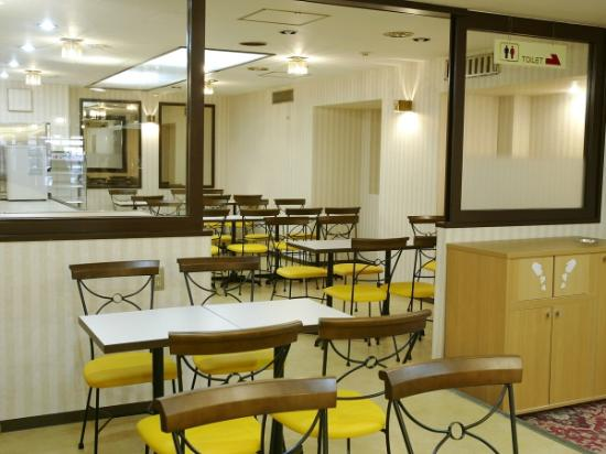 Hotel Econo Kanazawakatamachi : 朝食コーナー