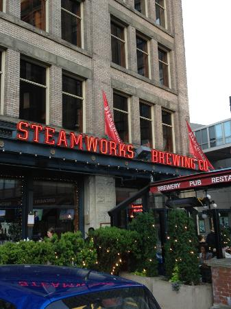 Steamworks Brewing Company : Entrance