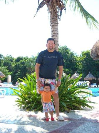 Grand Bahia Principe Coba: Tomando sol