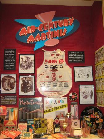 Southern Food and Beverage Museum: Martini display