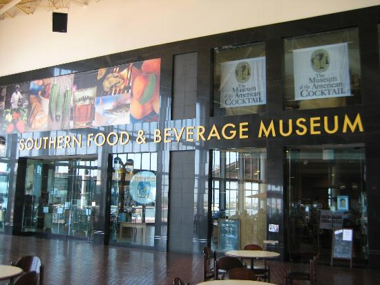 Southern Food and Beverage Museum: Outside the museum
