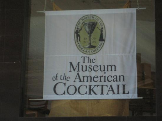 Southern Food and Beverage Museum: Sign for the cocktail museum