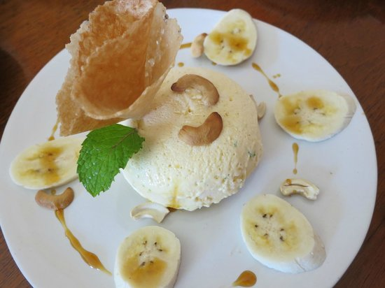 Sweet Sisters Cafe: Perfect! It's lime parfait....