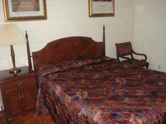 Quesnel, Kanada: queen bed