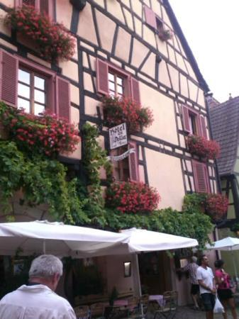 Hotel Restaurant Au Dolder : ホテル外観-1