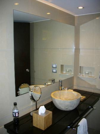 Sonesta Hotel Cusco: Banheiro