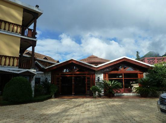 Victoria Sapa Resort and Spa: Hotel Entrance