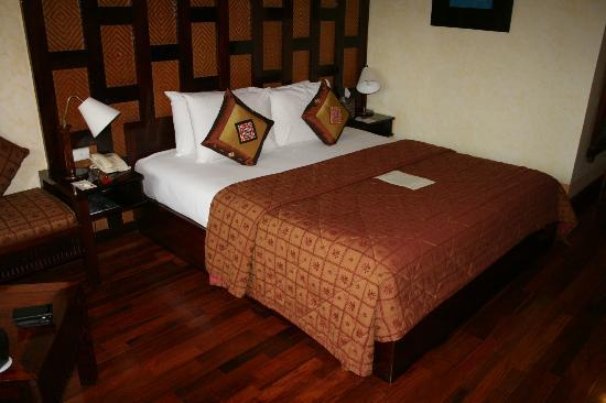 Victoria Sapa Resort and Spa: Queen Bed