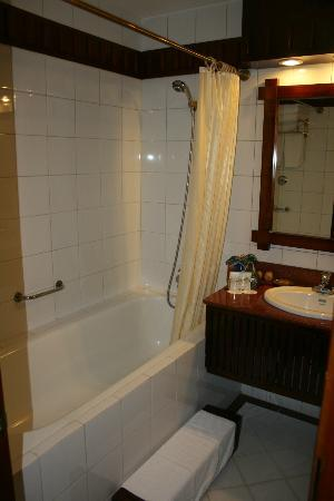 Victoria Sapa Resort and Spa: Bathroom