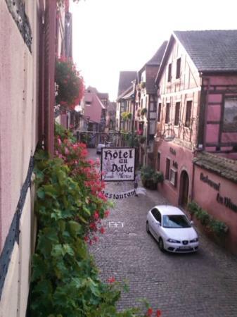 Hotel Restaurant Au Dolder: 部屋から見た目抜き通り