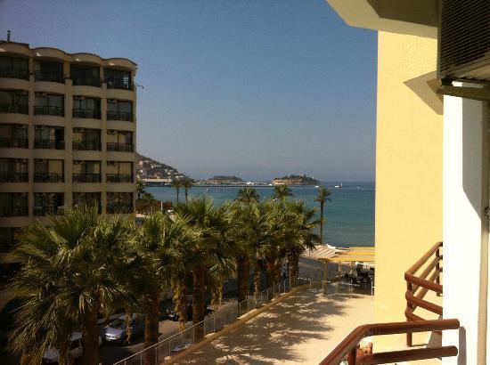 Palm Hotel: ce n' est pas ma plus belle photo de la vue de mon balcon ! je suis pas un pro de foto