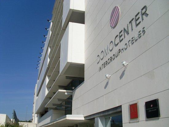 Apartamentos ATH Domocenter : Fachada hotel