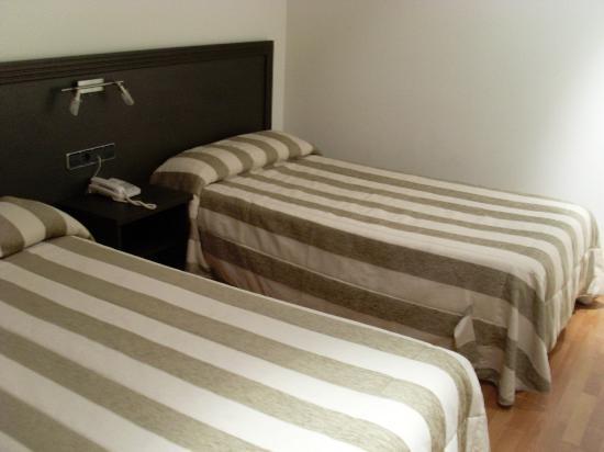 Apartamentos ATH Domocenter : Dormitorio de apartamento 1 dormitorio