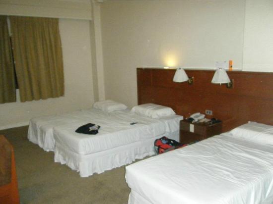 Grand Menseng Hotel: room