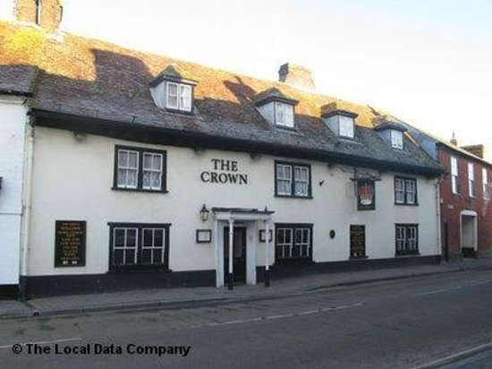 The Crown Inn: A lovely locals pub, with a friendly atmosphere and good pub food.