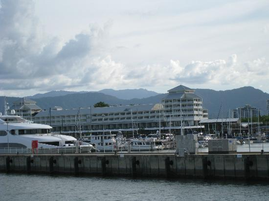 ‪‪Shangri-La Hotel, The Marina, Cairns‬: The Hotel is placed at the port of Cairns.