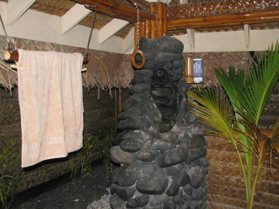 Il bagno delle donne picture of bloody mary 39 s bora bora - Ragazze spiate in bagno ...