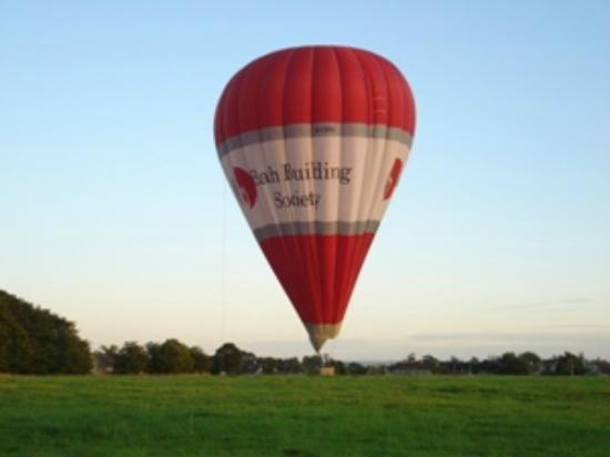 Honeysuckle Cottage: Baloon Landing on the Common