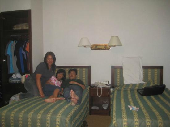 Shamrock Hotel: family