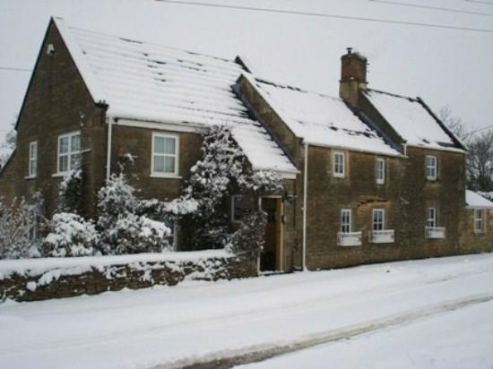 Honeysuckle Cottage : Winter Scene