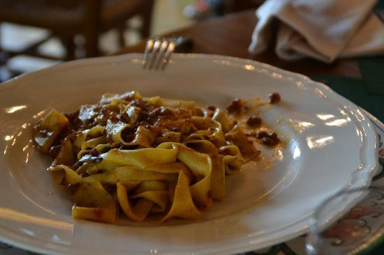Fattoria Lavacchio: pappardelle al sugo di lepre