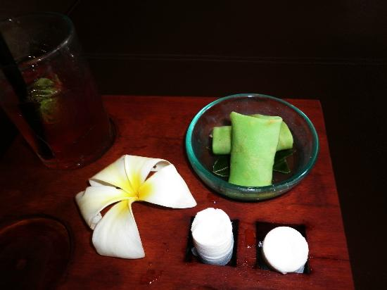 Anantara Seminyak Bali Resort: Welcome drinks; cold towel and local snacks