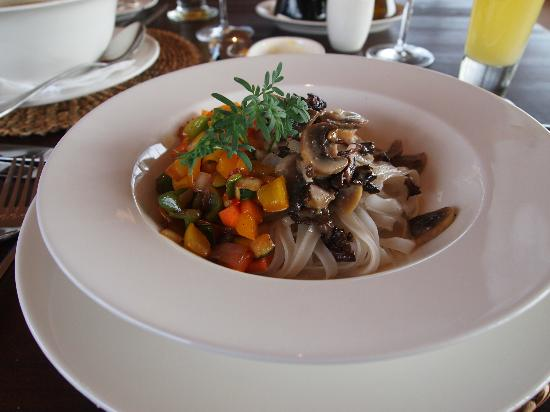 Tierra Patagonia Hotel & Spa: Another great meal, rice noodles with mushrooms and peppers.