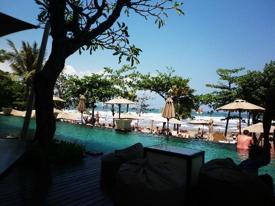 Anantara Seminyak Bali Resort: View of Seminyak Beach from Balcony