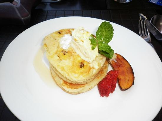 Anantara Seminyak Bali Resort: Banana Pancake @ @ Wild Orchid Restaurant