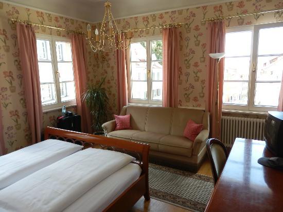 Hotel Obertor: main bedroom