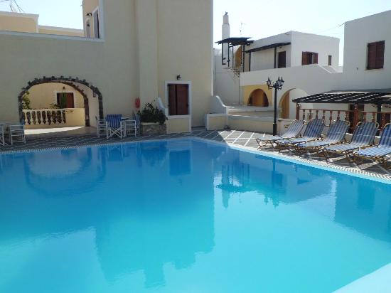 Sunrise Hotel: piscina