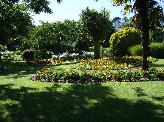 Hill View House : Avenue Gardens Dartmouth