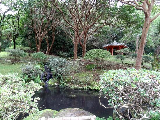 The grounds in between the Bell House and Byodo-In temple