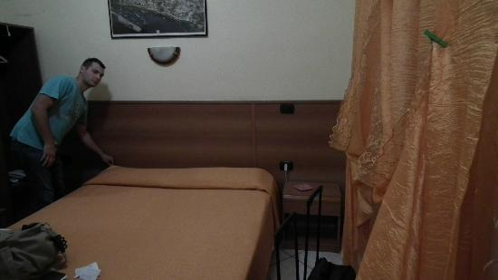 Hotel Casanova: Chambre