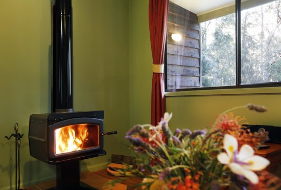 Cottages On Mount View: Relax in the warmth of a glowing log fire