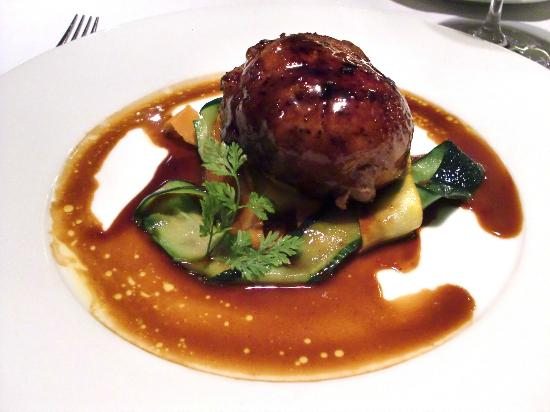Senso Ristorante and Bar: Quail stuffed with Figs and braised Vegetables