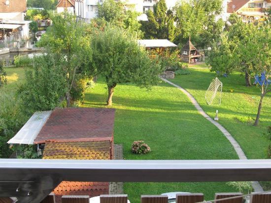 Elzpark: The hotel yard
