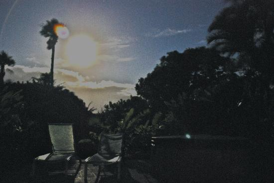 Huelo Point  Lookout: Moonlight on patio