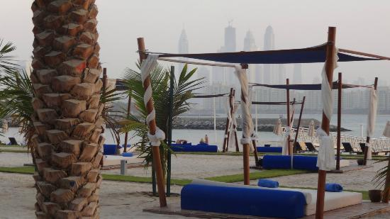 Rixos The Palm Dubai: chillin area on the beach never crowded